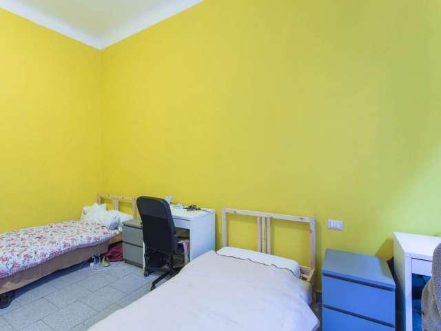 Camera condivisa in appartamento con 2 camere da letto a Navigli, Milano