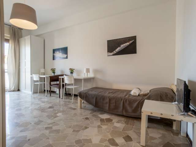 Bed for rent in shared room, 3 bed apartment, Città Studi