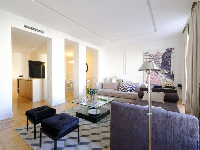Amplio apartamento de 1 dormitorio en alquiler en Centro, Madrid