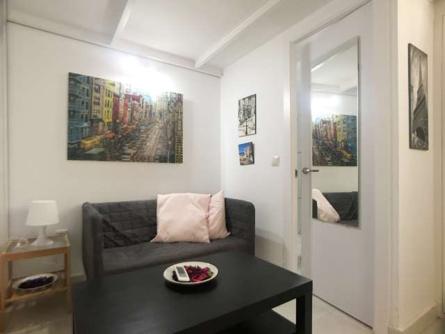 En-suite room in 8-bedroom apartment in Usera, Madrid