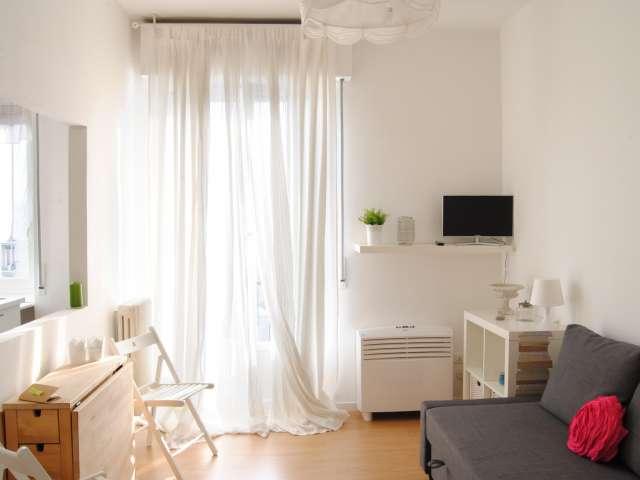 Studio double à louer à Bicocca, Milan