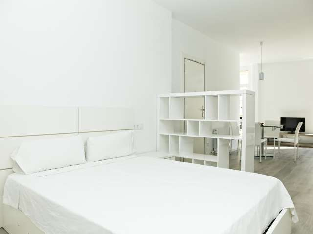 Bright rented apartment in Sarria-Sant Gervasi, Barcelona
