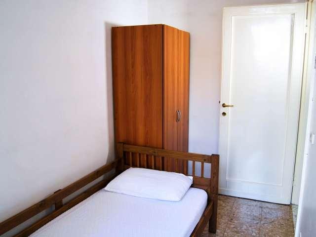 Private room in apartment in Navigli, Milan