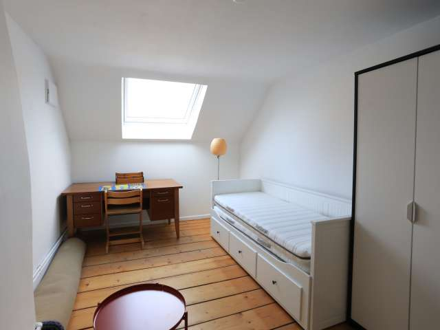 Rooms for rent in 7-bedroom house in Center, Brussels