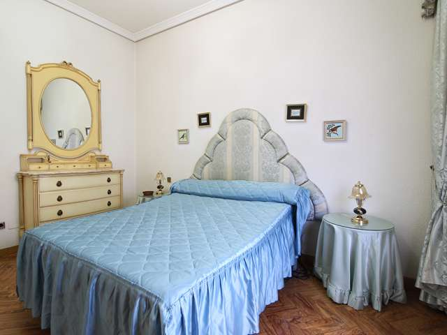 Room in 4-bedroom apartment in Usera, Madrid