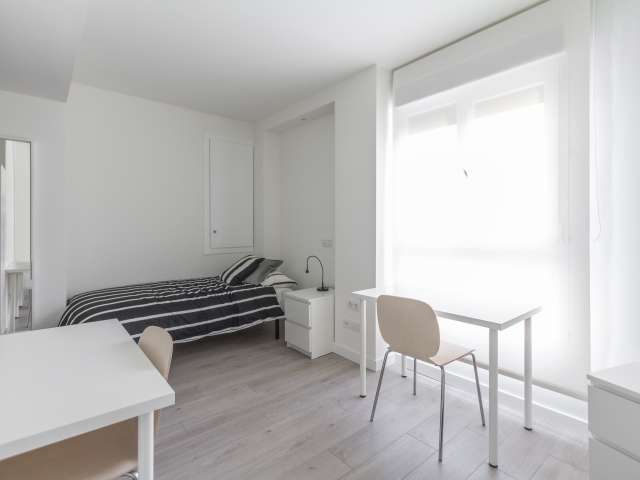 Spacious room in 4-bedroom apartment in Tetuán