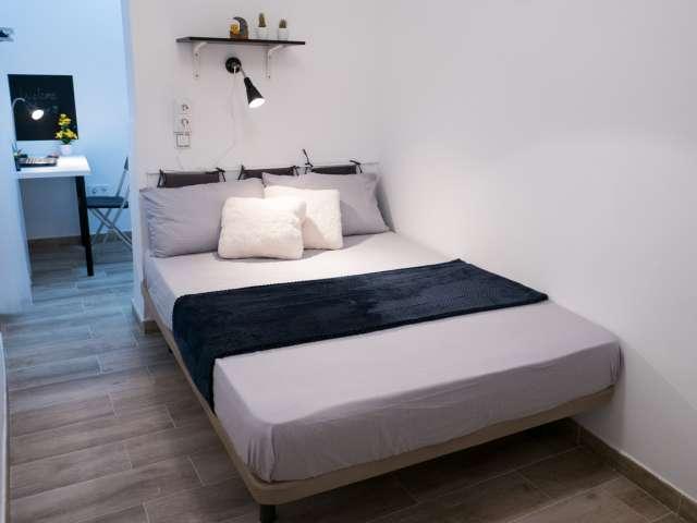 Room in 3-bedroom apartment in Puente de Vallecas, Madrid