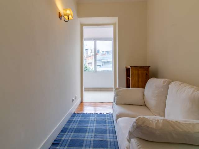 Bright 2-bedroom apartment for rent in Campolide, Lisbon