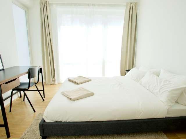 Zimmer zu vermieten in Wohnung mit 8 Schlafzimmern in Prenzlauer