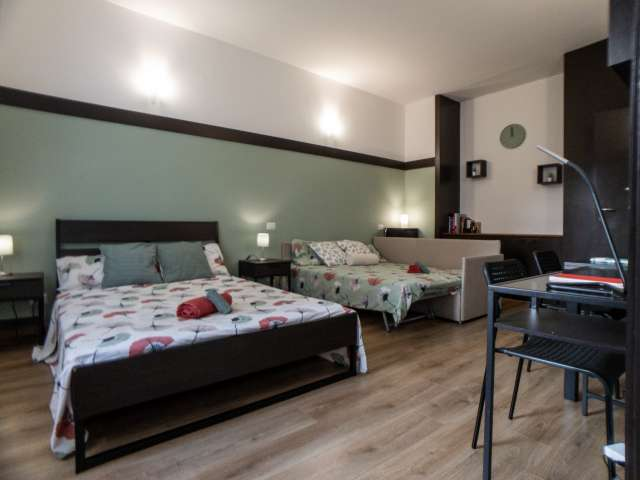 Room for rent in 2-bedroom apartment in Centro, Milan