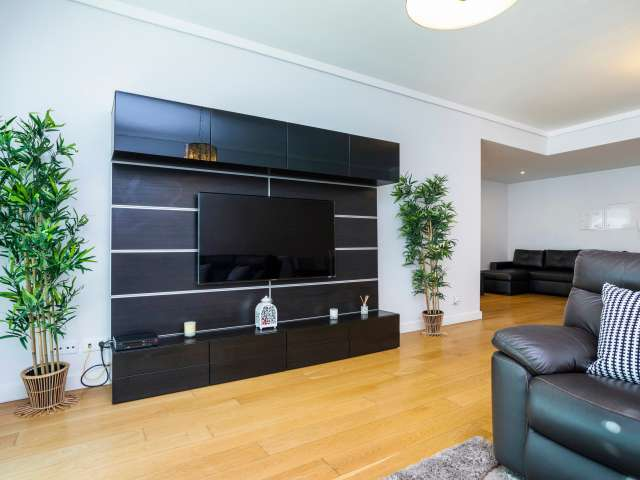 Elegante apartamento de 2 quartos para alugar em Campolide, Lisboa