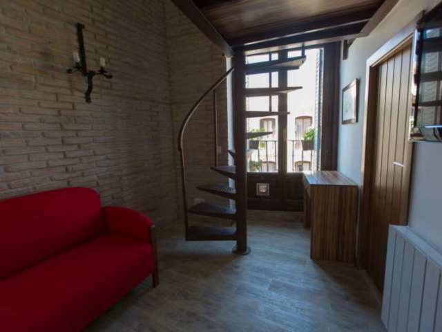 Share a 5-bedroom apartment in Sol, Madrid