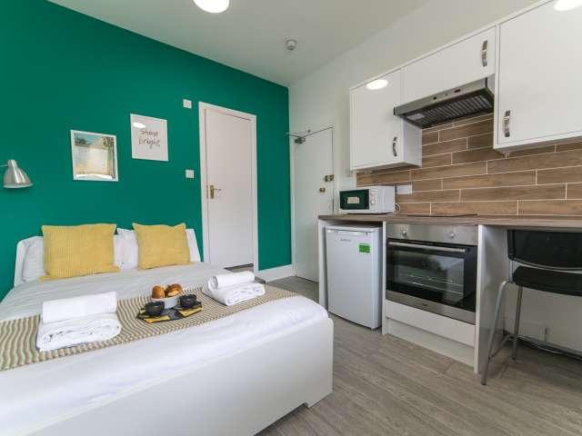 Cozy studio flat to rent in Willesden Junction, London