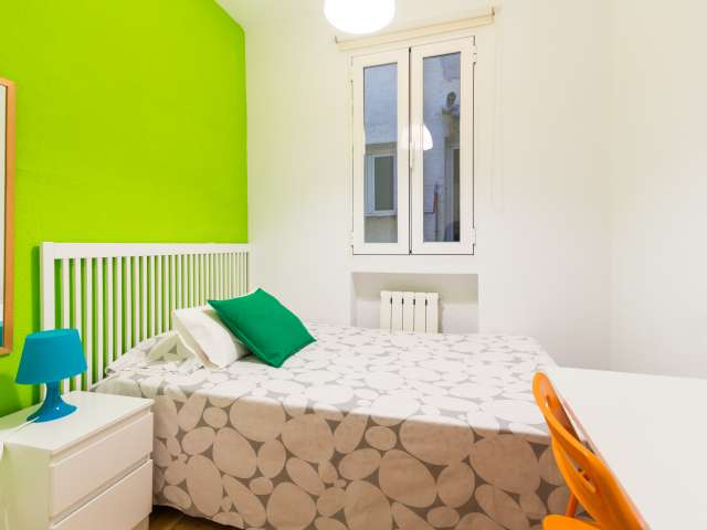Spacious room in shared apartment in Chamberí, Madrid
