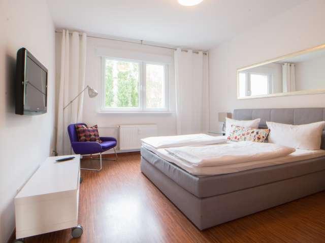 Gutes Zimmer in 2-Zimmer-Wohnung in Mitte, Berlin