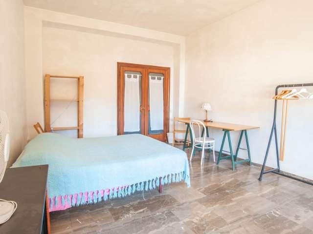 Grande stanza in appartamento a San San Giovanni, a Roma
