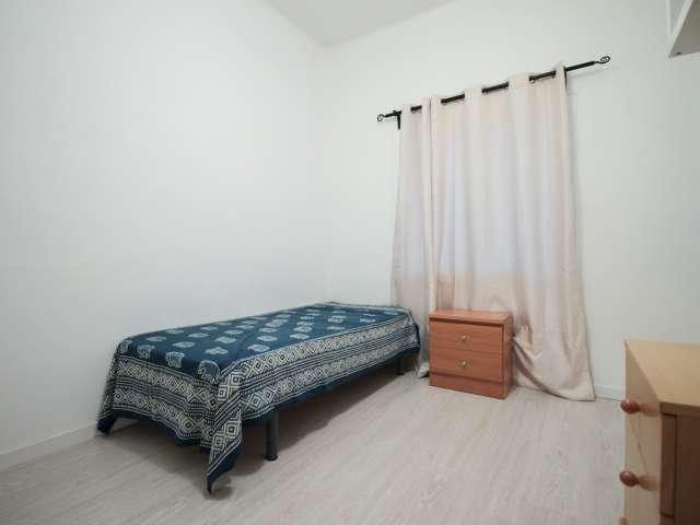 Bright room in 2-bedroom apartment, Sant Andreu, Barcelona