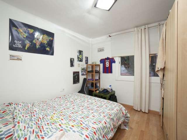 Double room for rent, 3-bedroom apartment, Sant Andreu