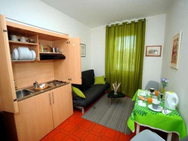 Appartement avec 1 chambre à louer à Torrino, Rome