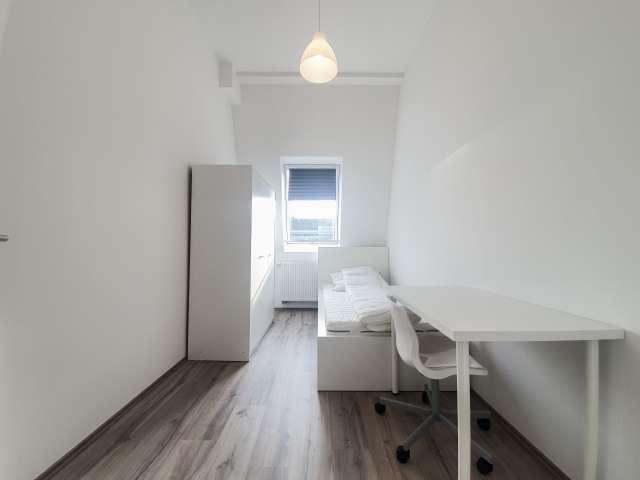 Schönes Zimmer zu vermieten in Reuterkiez, Berlin