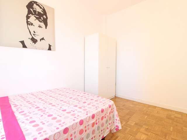 Cute room in 4-bedroom apartment in La Latina, Madrid