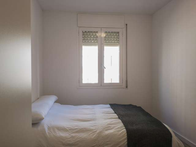Double room for rent, 3-bedroom apartment, Sant Martí