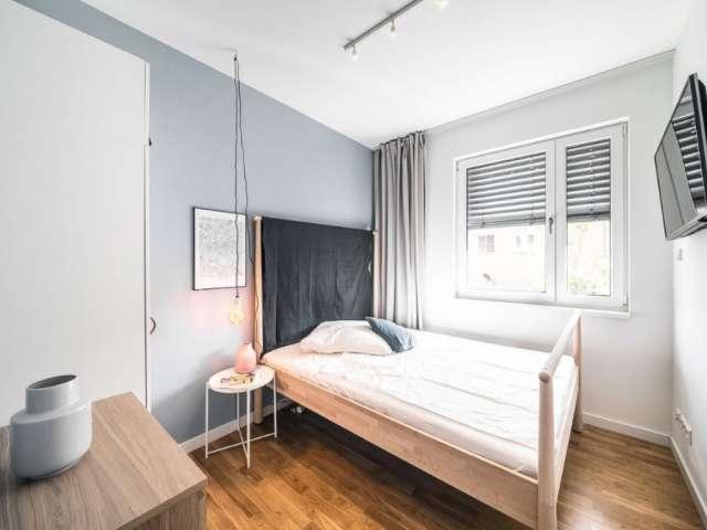 Stilvolles Zimmer in Wohnung mit 5 Schlafzimmern in Mite, Berlin