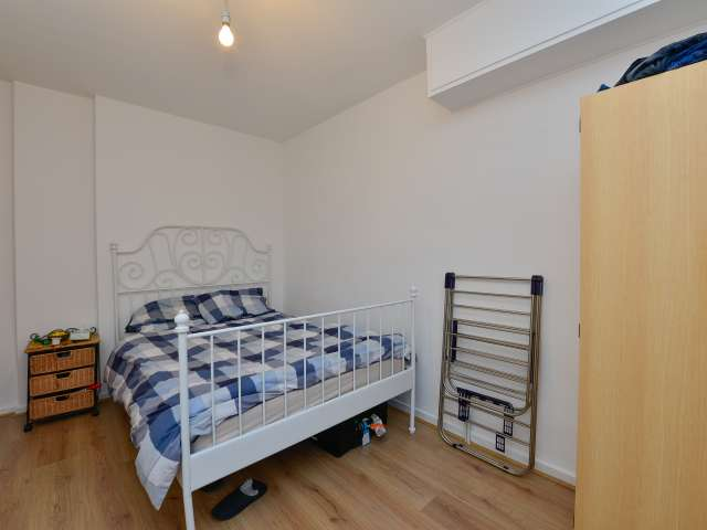 Exterior room, 4-bedroom flatshare in Bethnal Green, London