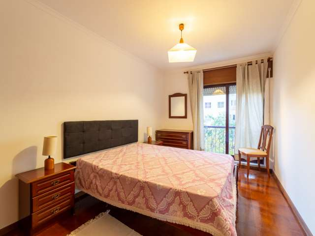 Bright room in 2-bedroom apartment in Carnide, Lisbon
