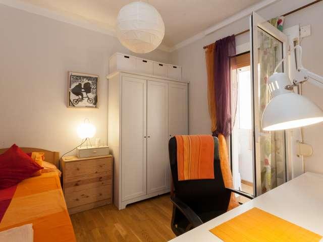 Cozy room for rent in Sant Martí, Barcelona
