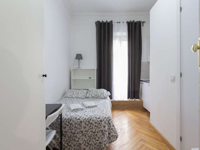 Compact studio apartment for rent in Moncloa, Madrid