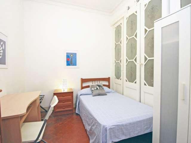 Chambre décorée dans un appartement de 5 chambres à l'Eixample, Barcelone