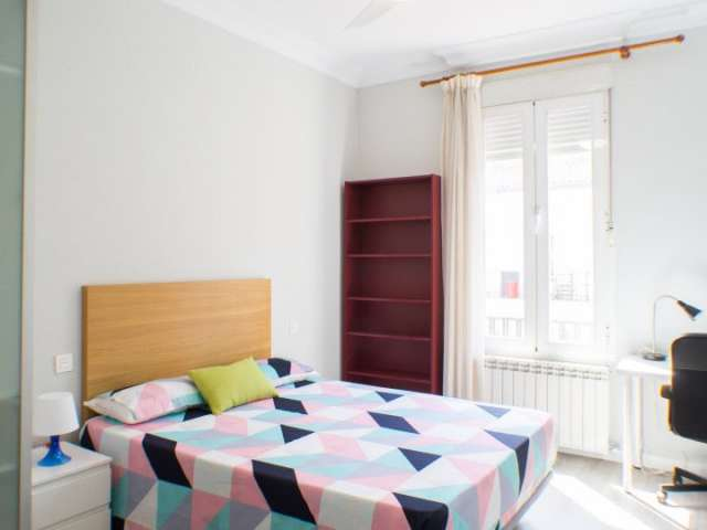 Exterior room in shared apartment in Chamberí, Madrid