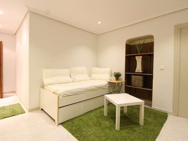 2-Zimmer-Wohnung zur Miete in Pacífico, Madrid