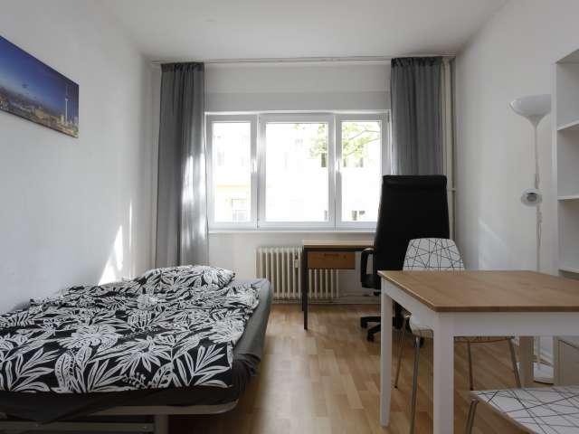 Möbliertes Zimmer in 2-Zimmer-Wohnung, Mitte, Berlin