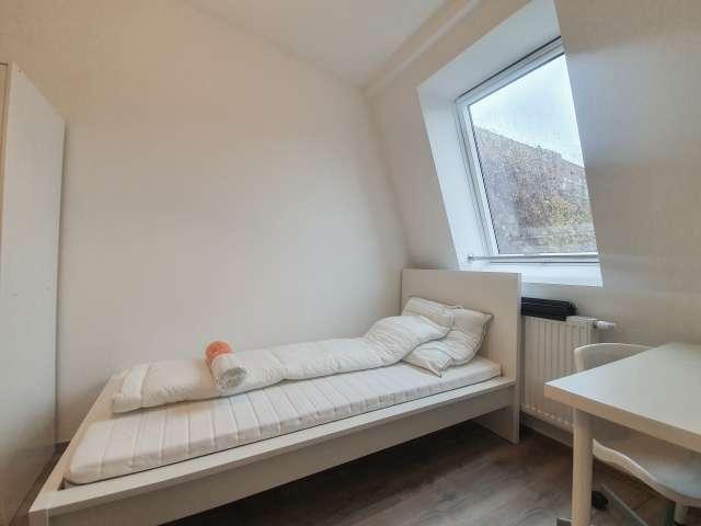 Exterior Zimmer in Wohnung mit 4 Schlafzimmern in Kreuzberg