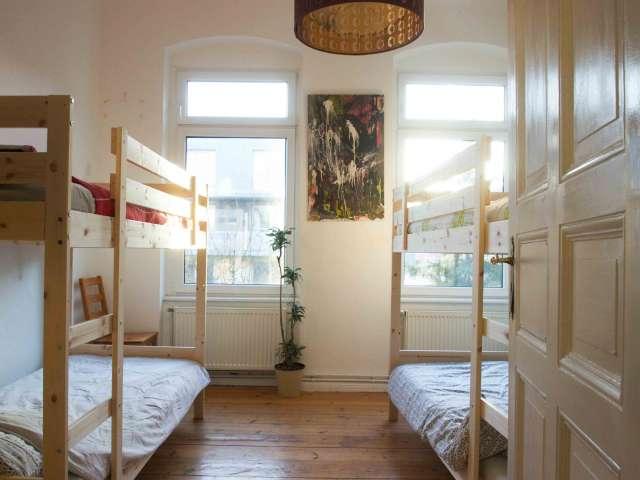 Zimmer zu vermieten in 4-Zimmer-Wohnung in Treptow, Berlin
