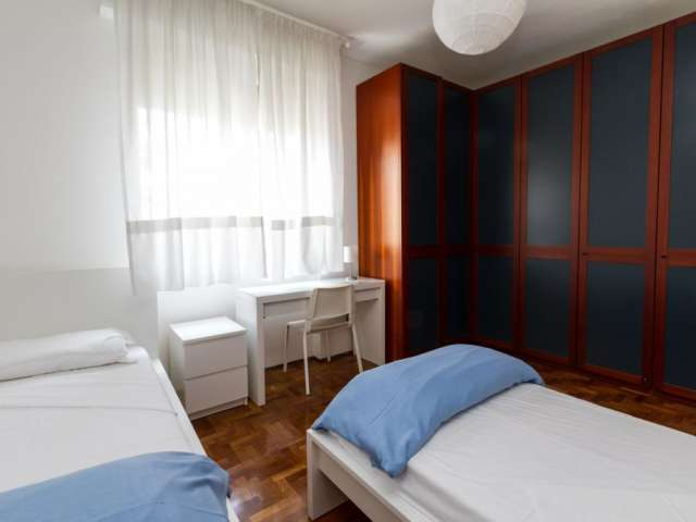 Bed to rent in apartment with 2  bedrooms in Lambrate, Milan