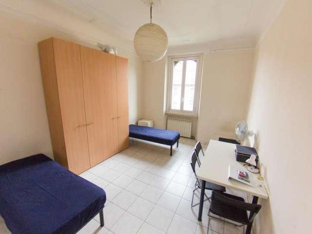 Camera in affitto in appartamento con 2 camere da letto a Isola, Milano