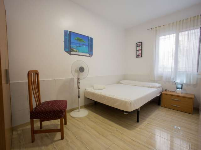 Rooms for rent in 3-bedroom apartment in Poblats, Valencia