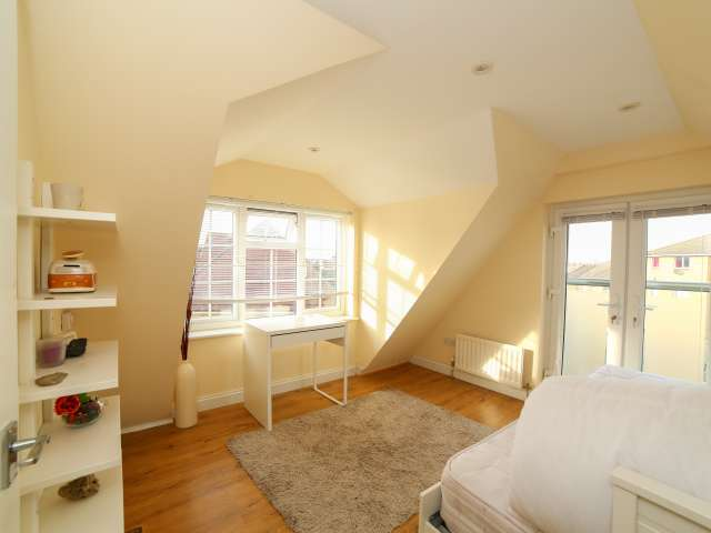 Compact one bedroom flat to rent in Barking, London