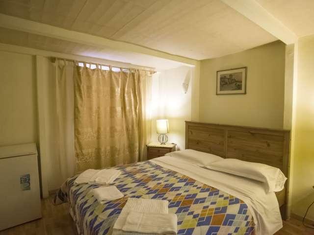 Camera favolosa in affitto, appartamento 8 camere da letto, Centro Storico