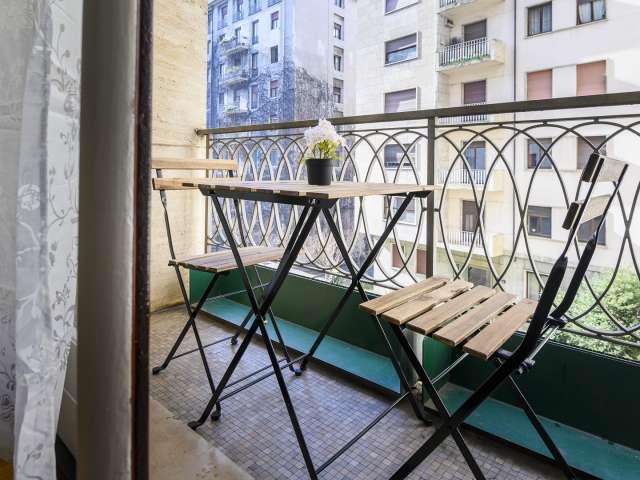Stanze in affitto in appartamento con 8 camere da letto a Guastalla, Milano
