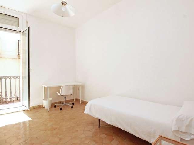 Leben Sie in einem 8-Zimmer-Apartment in Barri Gòtic, Barcelona