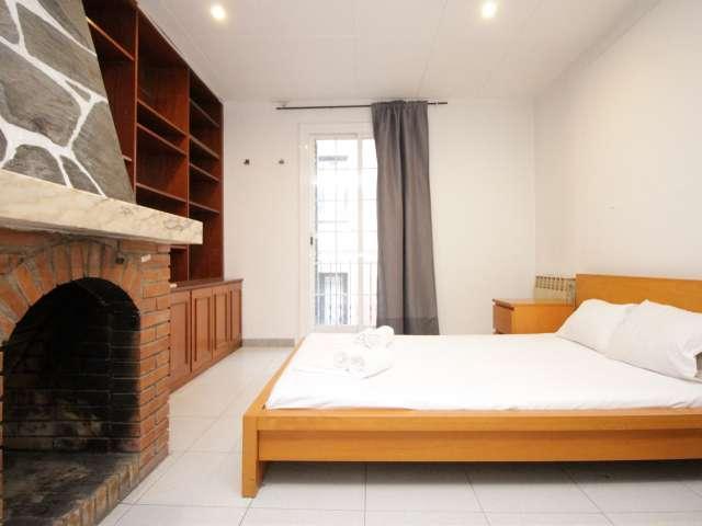 Außenzimmer in einer Wohngemeinschaft - Barri Gòtic, Barcelona