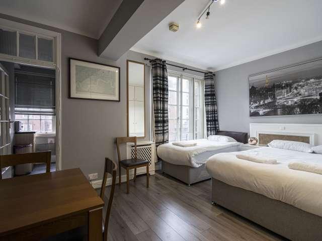 Studio flat for rent in Paddington, London