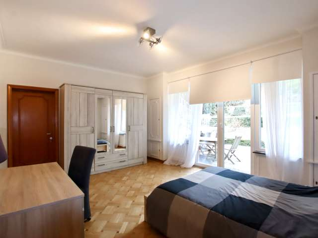 Room for rent in 14-bedroom house in Auderghem, Brussels