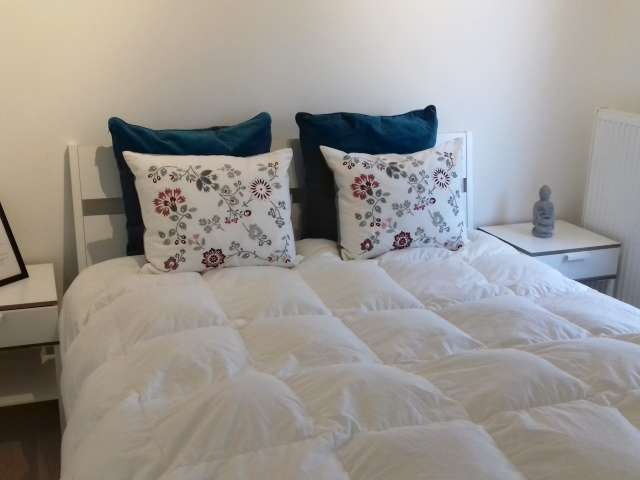 Room in shared apartment in Evere