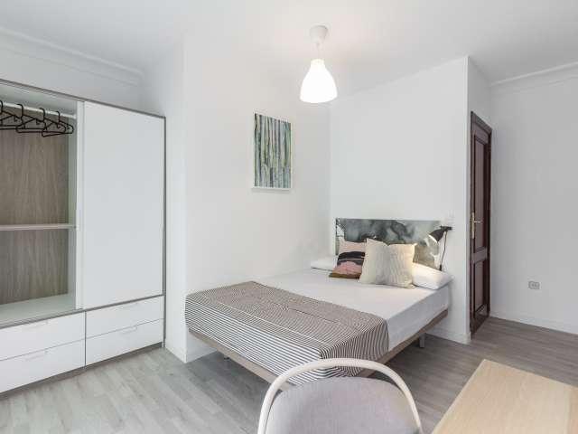 Room in 5-bedroom apartment for rent in Carabanchel, Madrid
