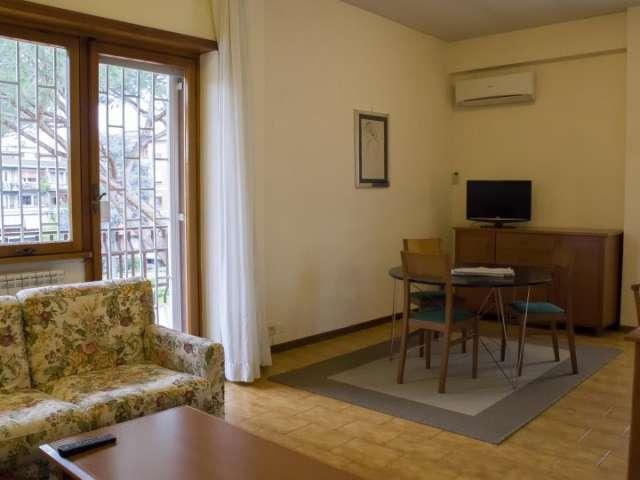 Ampio appartamento con 2 camere da letto in affitto a Torrino, Roma